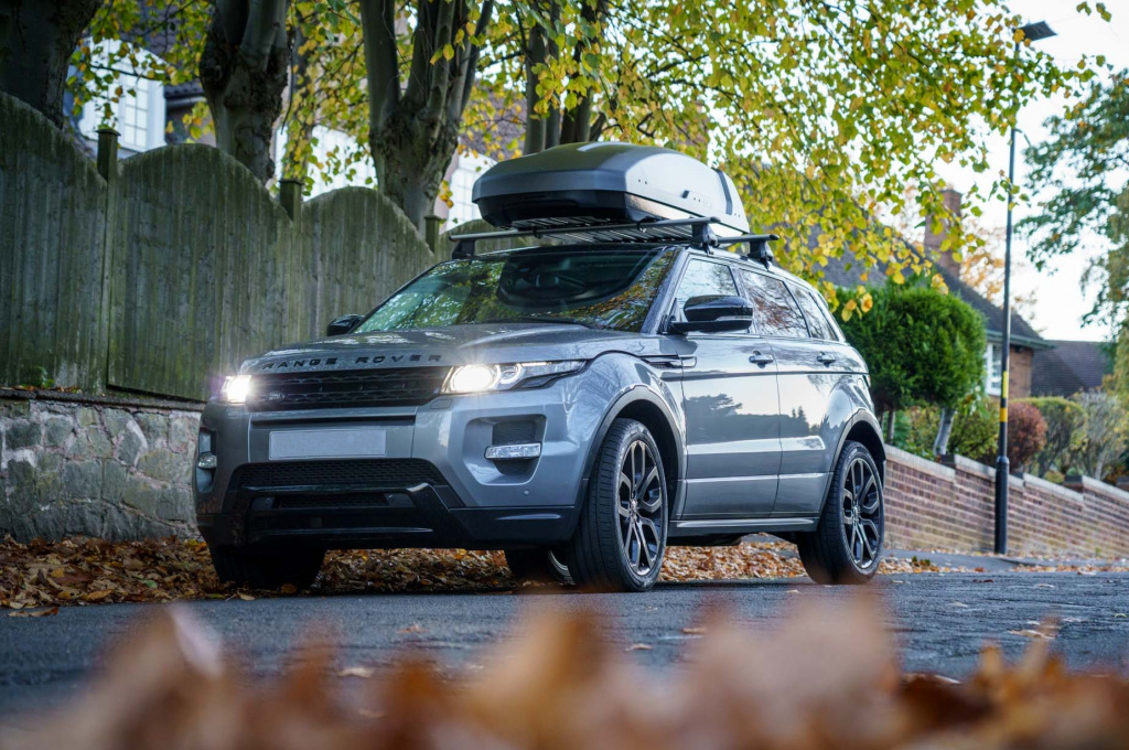 Thule Force XT L на автомобиле Range Rover Evoque